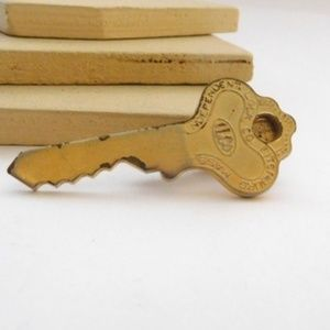 Vintage Gold ILCO Independent Lock Tie Clip Clasp